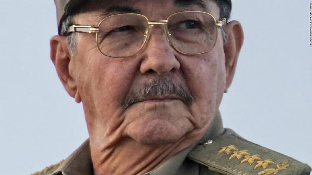 Twitter, Raul Castro ve çok sayıda komünistin hesabını askıya aldı