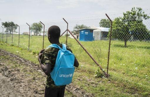 UNICEF: Çatışma bölgelerindeki dört çocuktan biri okula gidemiyor!