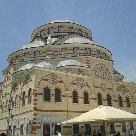 Üsküdar Belediyesi borcuna karşılık cami sattı iddiası