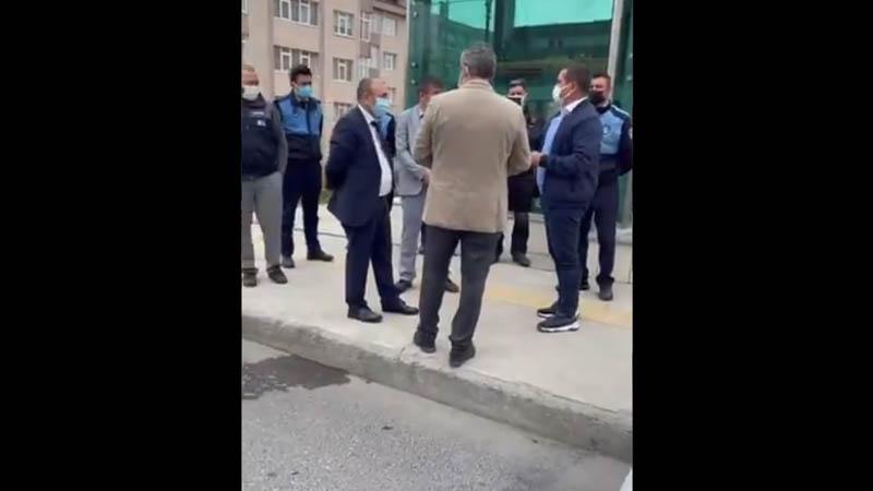 Üsküdar Belediyesi zabıta ekipleri, Halk Ekmek büfesini kaldırmaya çalıştı