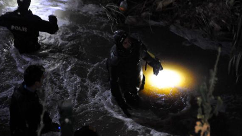 Üstü açık kanalizasyon çukuruna düşen 6 yaşındaki çocuk öldü