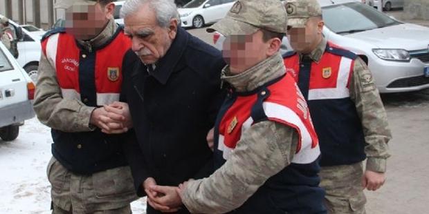 Valilik: Ahmet Türk'e kelepçe takılmadı