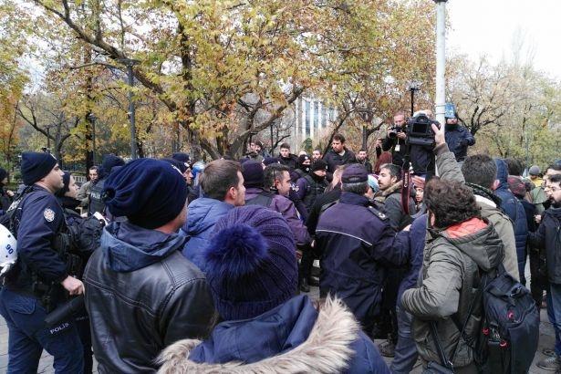 Yurt yangınını protesto eden öğrencilere polis müdahalesi
