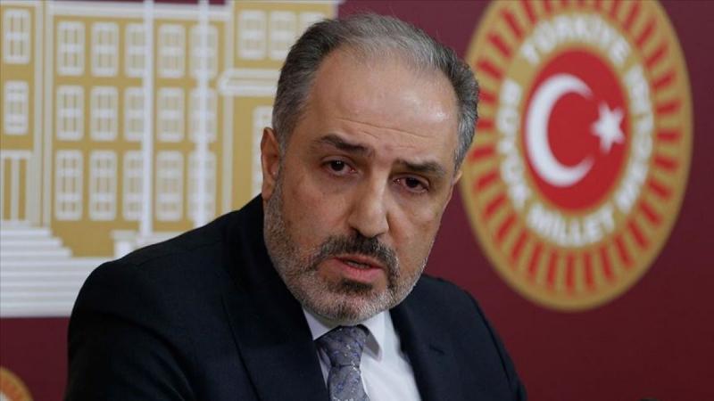 Yeneroğlu: AKP'de siyaset yaparken çocuklarımın yüzüne bakamıyordum