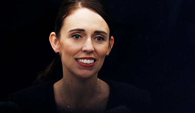 Yeni Zelanda Başbakanı, 11 yaşındaki çocuğun 2.5 dolarlık ejderha 'rüşvetini' reddetti