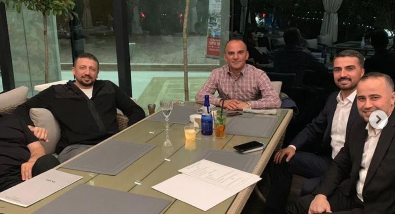 Yurtdışına kaçtığı belirtilen Metro Turizm'in firari sahibi, Erdoğan'ın Başdanışmanı Türkoğlu'yla görüntülendi