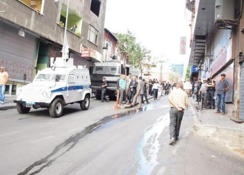 Berkin Elvan yürüyüşüne polis müdahalesi!