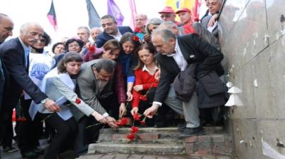 1 Mayıs Katliamı'nda yaşamını yitirenler Kazancı Yokuşu'nda anıldı