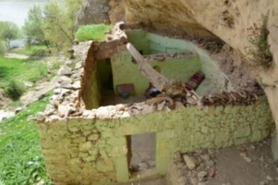 100 yıldır dua edilen Abuzer Gaffari Türbesi'nin içi boş çıktı