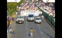 12 yaşındaki çocuk, 11 bin LGBT karşıtı protestocunun karşısında durdu!