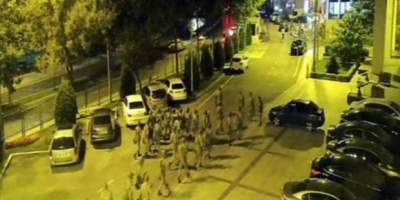15 Temmuz'da AKP İl Başkanlığı'nı basan asker: Başımızdaki yüzbaşı