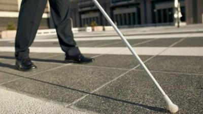 20 yıldır görme engelli olan bir kişi trafik kazası sonrası görmeye başladı
