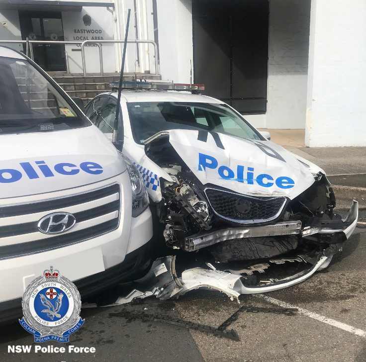 200 milyon dolarlık uyuşturucuyla polis arabasına çarptı!