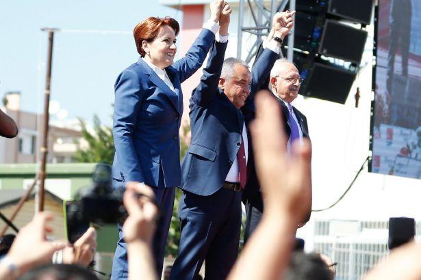 22 İYİ Parti üyesi istifa etti