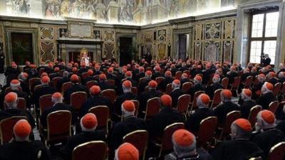 40 Eşcinsel Papazı Eskort Deşifre Etti