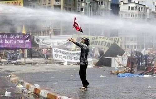 The Guardian'ın gözünden Taksim! Onlar çapulcu değil!