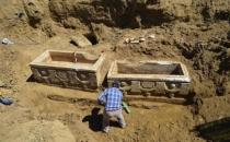 800 yıllık lahitlerdeki yazılar çözüldü!
