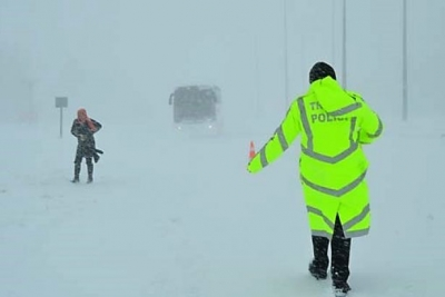 899 köy ve mahalle yolu kardan kapalı!