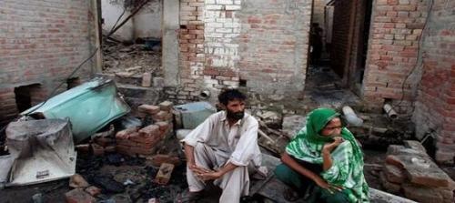 Pakistan'da kiliseye intihar saldırısı!