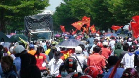Vietnam'da Çin fabrikaları ateşe verildi!