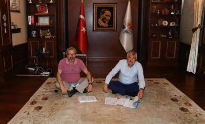 Adana Büyükşehir Belediyesi Başkanı Karalar'ın makam odasına haciz