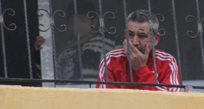 Adana'de eşi ayrılmak isteyen baba oğlunu rehin aldı