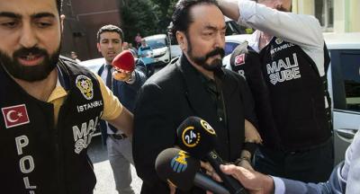 Adnan Oktar maske takmadığı için duruşma salonundan çıkarıldı