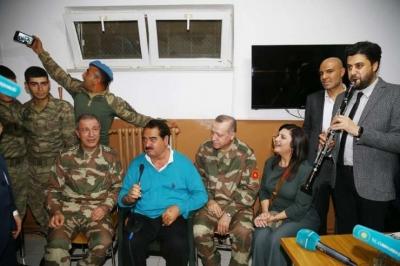 Afrin'e giden ünlülerden Kılıçdaroğlu'na suç duyurusu