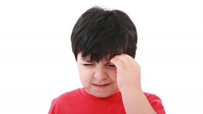 'Ağrı kesicilerle geçmeyen baş ağrısı Kovid-19 belirtisi olabilir'