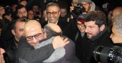 AHMET ŞIK'A TAHLİYE
