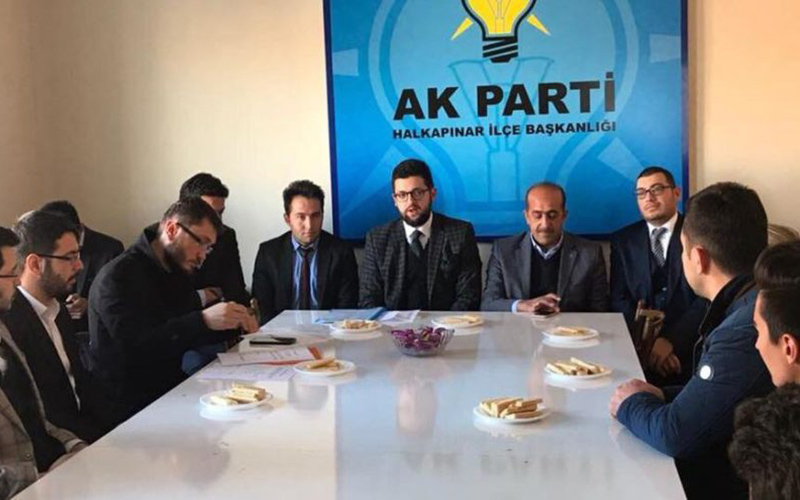 AKP ilçe başkanı: Oylarımız eriyor, istifa ediyorum