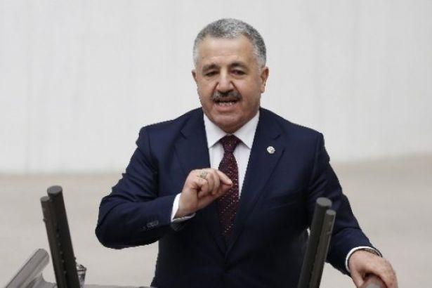 AKP'li Arslan: Aslında trenin önüne atlayıp ölüyor bunlar
