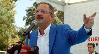 AKP'li Özhaseki'den Trump'a: Adamın her yanı oynuyor, saçı bir taraftan uçuyor, kulağı bir tarafa gidiyor