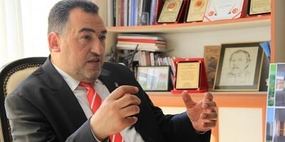 AKP'li vekilden HDP'li vekile: Şerefsiz!
