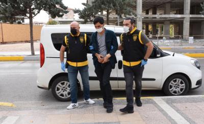 Aksaray'da bir genç, babasını 10 yerinden bıçaklayarak öldürdü