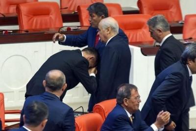 Akşener: Partimize FETÖ'cü diyenlere hürmet göstermek siyasi nezaket değildir