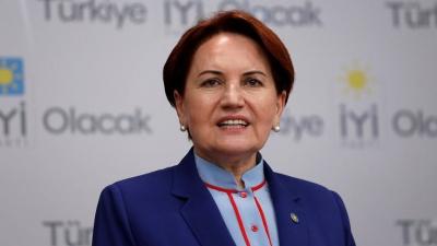 Akşener: Temel sorun Erdoğan'ın Saray şaşasına teslim olması