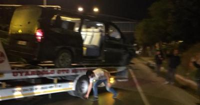 Alanyaspor futbolcularını taşıyan minibüs devrildi! Josef Sural ağır yaralı