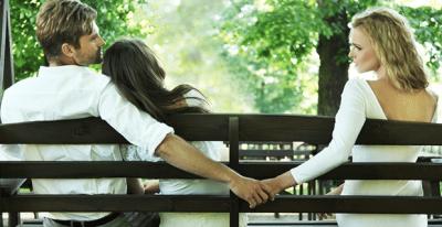 Aldatıldığını kocasının sırtındaki sivilceden anladı