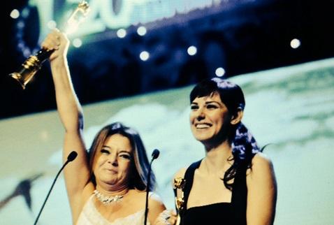 Altın Koza ödülünü Gezi'de ölenlere adadı!