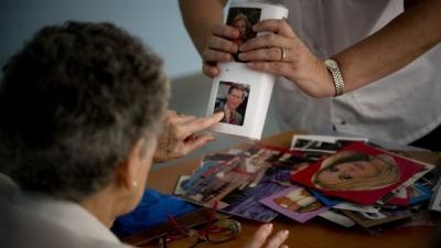 Alzheimer hastalığına karşı 'anı tekrarlama' yöntemi