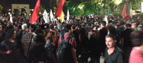 Ankaralılar  Kızılay'a yürüyor!