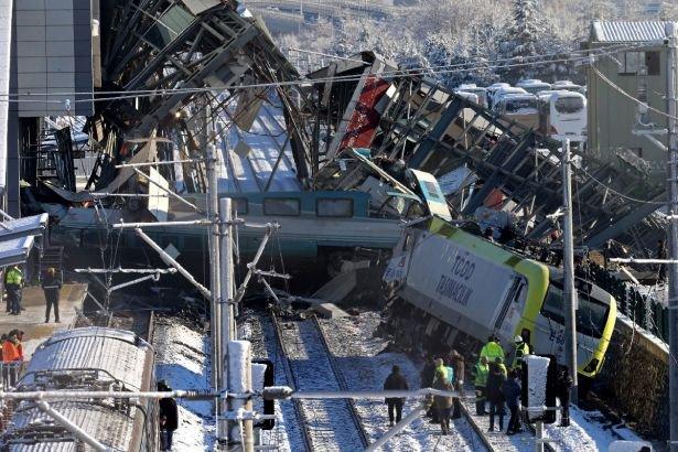 Ankara'da tren kazası: 9 ölü, 48 yaralı