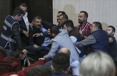 Ankaragücü olağanüstü genel kurulunda kavga çıktı!