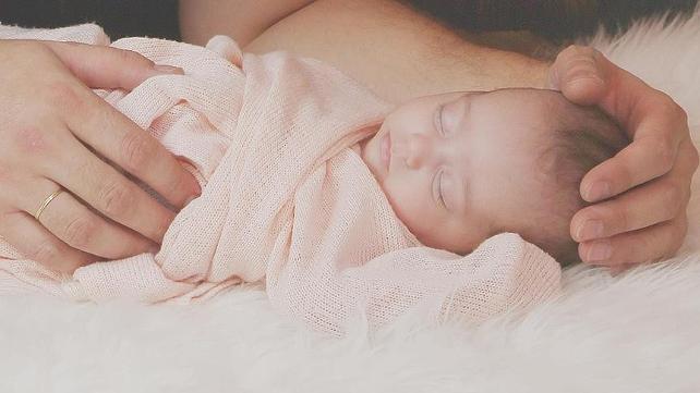 Annesi emzirirken nefes borusuna süt kaçan bebek öldü