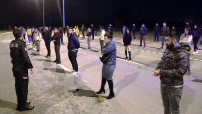 Antalya'da dansözlü drift partisine polis baskını