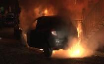 Kağıthane'de yine çok sayıda araç yakıldı!