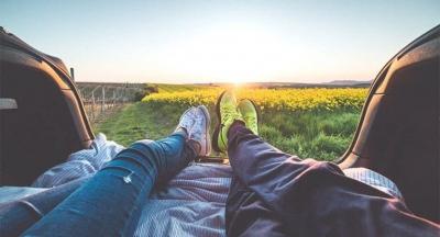 Araştırma: Mutlu olmak için çabalamak mutsuz ediyor