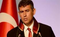 Avukatlar Metin Feyzioğlu'nu protesto etti!