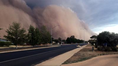 Avustralya'da yangınların ardından toz fırtınası, dolu ve sel felaketi